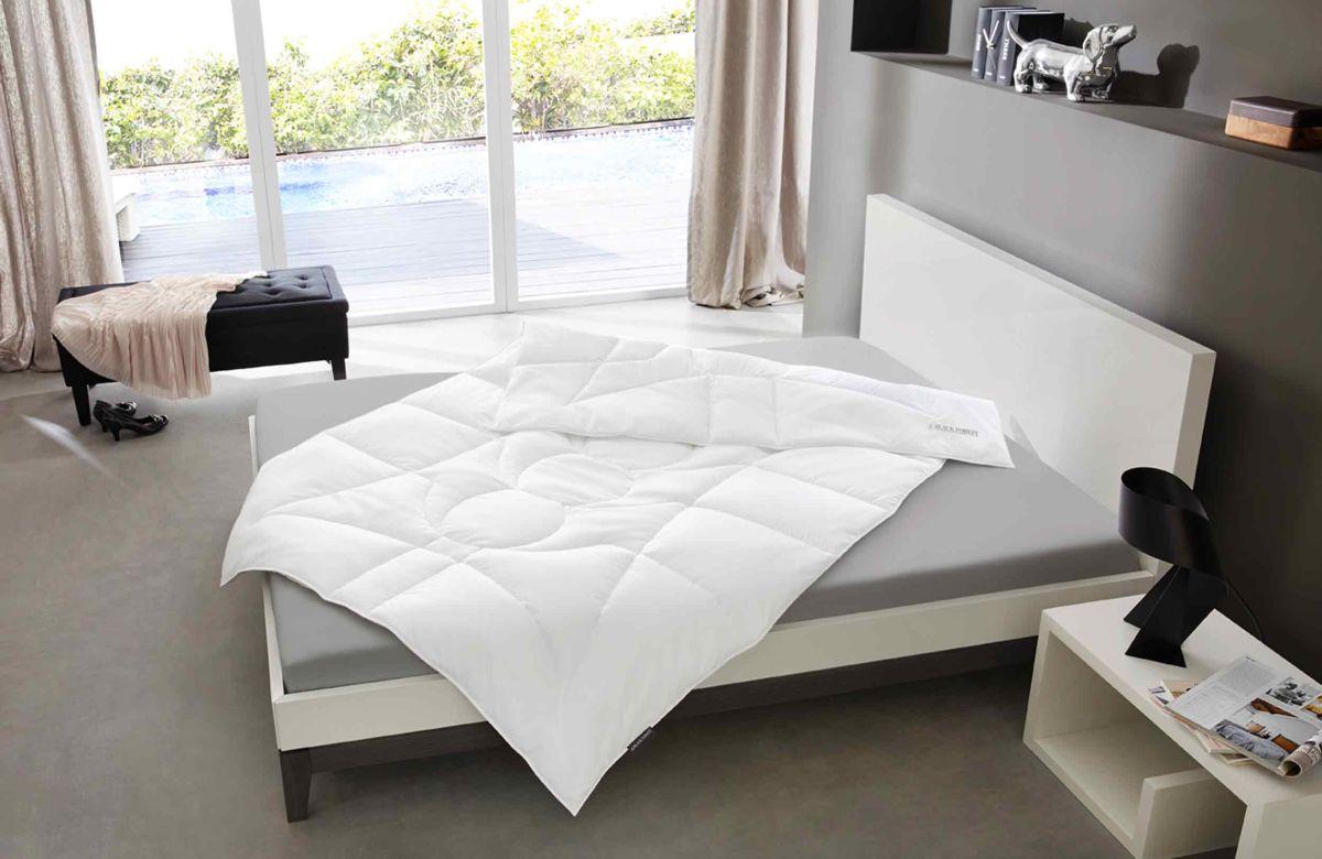 cashmere bettdecken wohn schlafzimmer einrichtungsideen billerbeck bettdecken karstadt. Black Bedroom Furniture Sets. Home Design Ideas