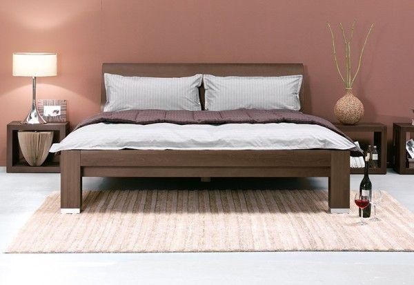 Dormiente Massivholzbett Kara mit Rückenlehne